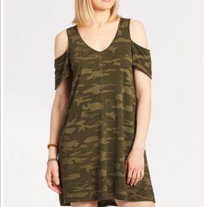 Evereve Sanctuary camp dress